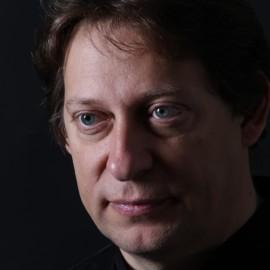 Thomas Doss dirigiert das Orchester des Linzer Konzertvereins