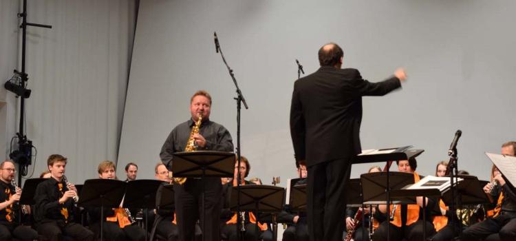Fernsehbeitrag über das Konzert des SBO Ried mit Werken von Thomas Doss
